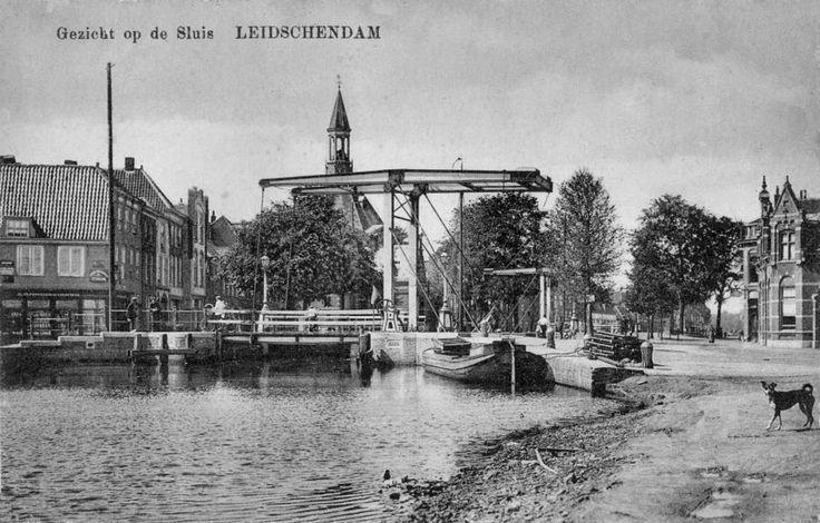 1915 zicht op de noordelijke sluisbrug