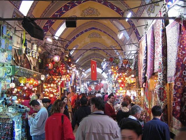 Gran Bazar, Istanbul via Flickr.