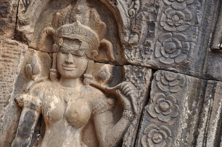 Apsara carving at Tonle Bati (near Phnonm Penh in Cambodia)