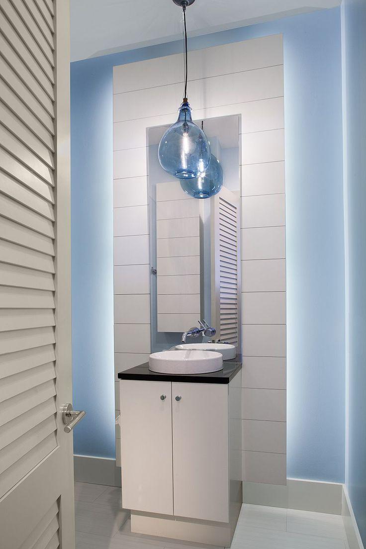 Amanda Webster Design: Classic Contemporary Powder Bathroom Interior Design / Photo: Neil Rashba