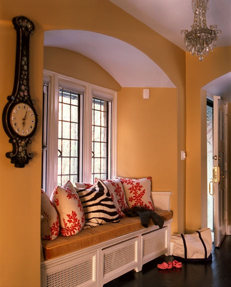 .Wall Colors, Cozy Nooks, Windows Benches, House Ideas, Windows Seats, Reading Nooks, Glasses Windows, Lead Glasses, Pillows