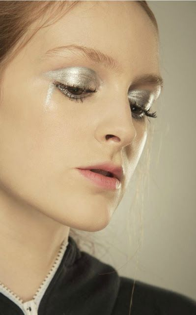 The Makeup Examiner: MAC Daily Face Report AW16 February 12