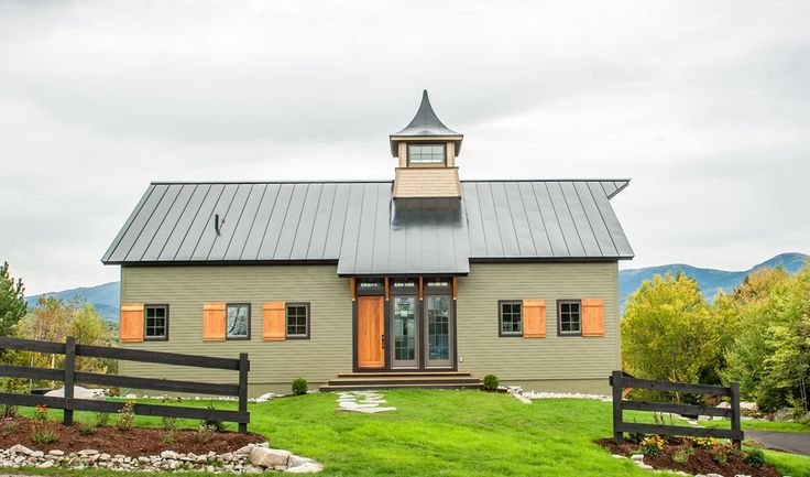 25 best ideas about yankee barn homes on pinterest barn for House that looks like a barn
