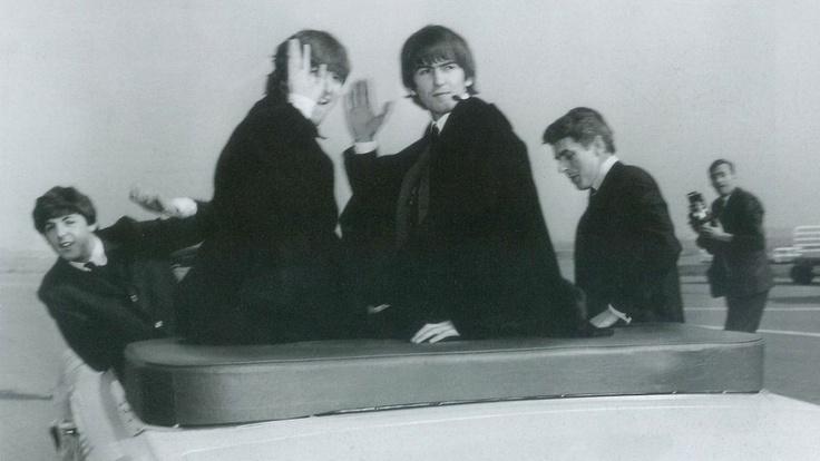 Heute (Do., 4. Oktober 2012) Beatles-Themenabend bei ServusTV: 20.15 Uhr Doku 'Behind the Scenes', 21:15 Uhr 'Beatles, Stones & Co. - Rockt Musik noch die Gesellschaft?' - Talk im Hangar-7, 22:15 Uhr: 'Was wurde aus ...?' Klaus Voormann - Der fuenfte Beatle #Beatles #TheBeatles #FabFour #TV #music