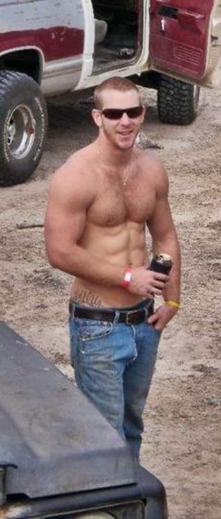 Hot redneck studs — photo 11