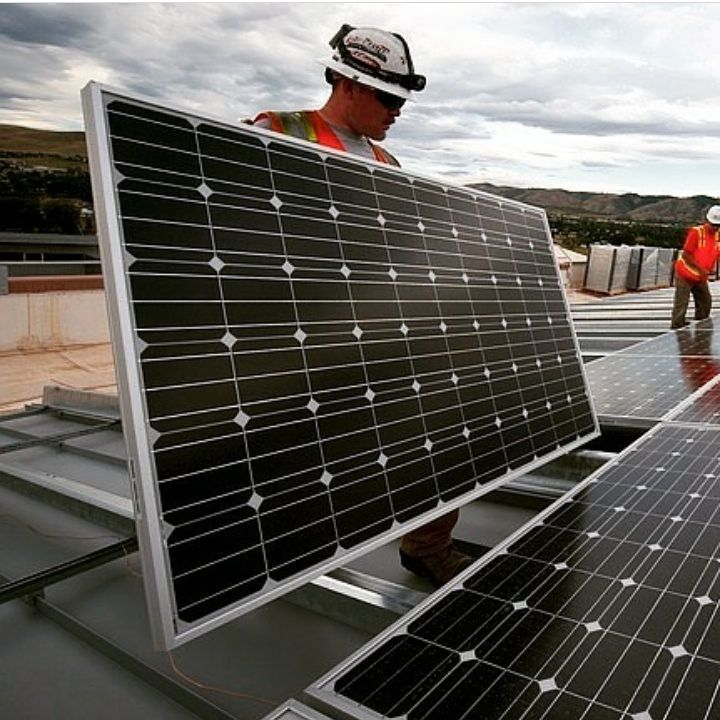 En #ConydraBealca pensamos en la conservación del medio ambiente ya que tenemos muy clara la situación por la que pasa nuestro planeta actualmente es por ello que pensando en opciones beneficiosas para todos y para la naturaleza apostamos por los paneles solares en la construcción de este proyecto beneficiando a nuestros bolsillos y a nuestro planeta.  #energiarenovable #energiasolar #energia #energiafotovoltaica #solarenergy #enviroment #medioambiente #ahorro #solarpower #tecnologia…