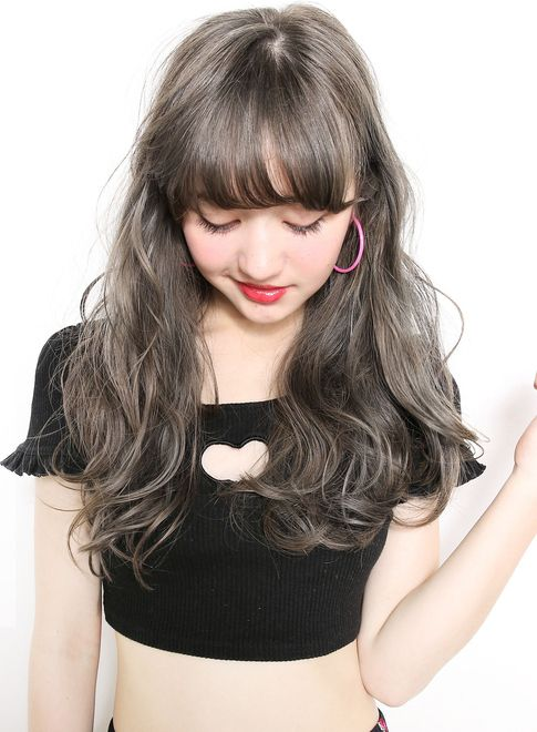 ファストブリーチ + ホワイトグレージュ【suburbia】 http://www.beauty-navi.com/style/detail/56540?pint ≪#haircolor #hairstyle #ヘアカラー #外国人風 #ヘアスタイル #髪形 #髪型 #グレージュ #longhair #ロング ≫