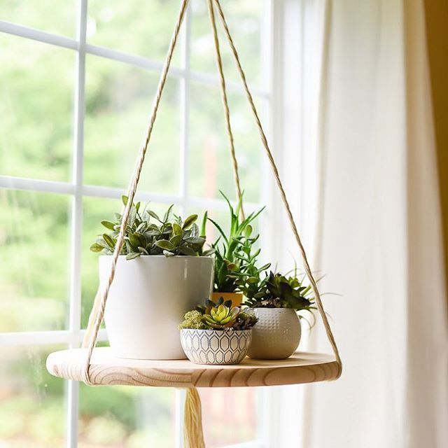 It's Aniko here again from @place_ofmy_taste. Those cute succulent planters that I shared earlier needed a cool floating shelf so I created one. Love how it turned out! Looks super chic and perfect to hold my succulents:-) Learn how to make it on Place Of