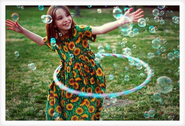 Bubble Dance by FragmentaryBlue, via Flickr