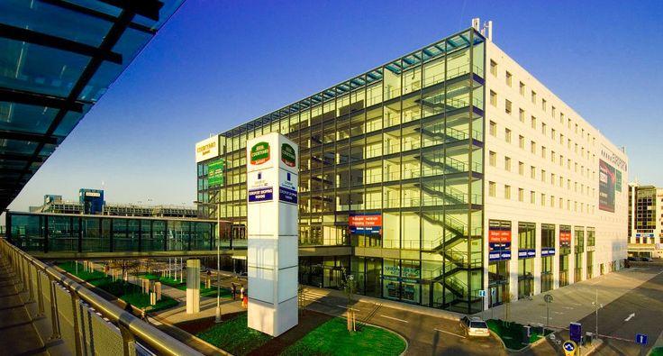Courtyard by Marriott Prague Airport, Airport hotel Prague, hotel letiste Ruzyne Praha, flying to Prague