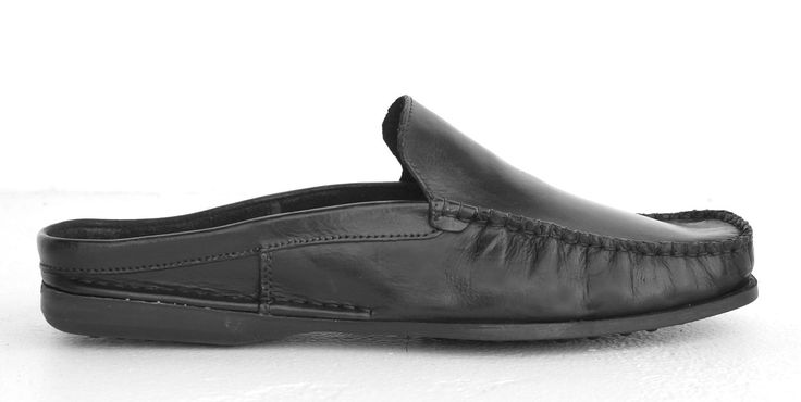 Newport Santiago-Black Men's Genuine Leather slip on Shoe. R 719. Handcrafted in South Africa. Code: NMSX090 030. See online shopping for sizes. Shop for Newport online https://www.thewhatnotshoes.co.za Free delivery within South Africa