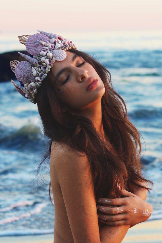 Casting Spells Mermaid Crown por wildandfreejewelry en Etsy