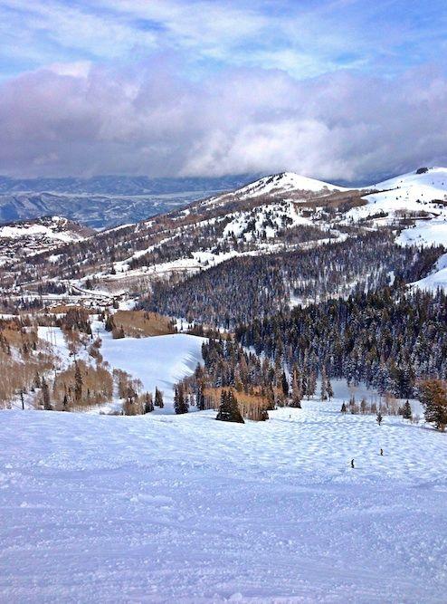 Skiing at Deer Valley Resort in Park City, Utah | twopeasandtheirpod.com