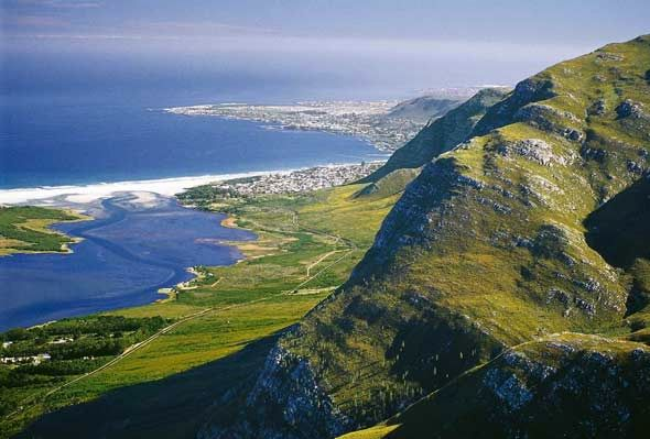 The Hermanus region is an easy 1 hour drive from Cape Town and is called Walker Bay and covers towns and areas from Elgin and Grabouw, Botrivier to Hermanus and the Hemel-en-Aarde Valley, onwards to Stanford and Elim - close to the southern tip of Africa - Cape Agulhas. The Champagne Coast .................. for itsclear,…