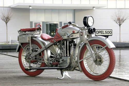 Opel Motoclub. Interesting, I think I like the red tires...