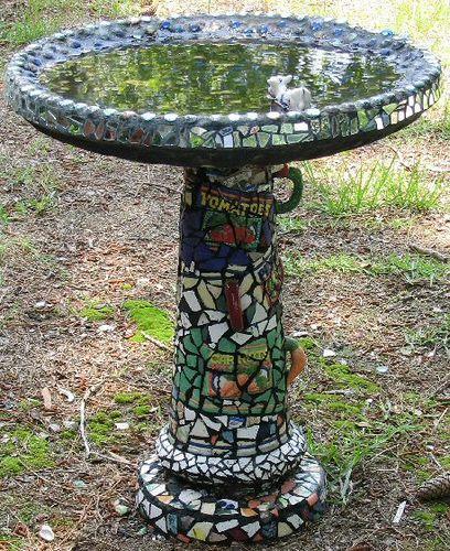 i'd love to do a diy mosaic bird bath