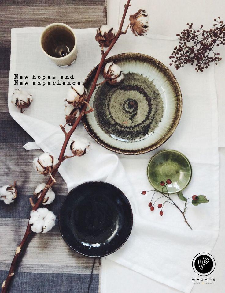 Japanese ceramic plates and a cup of the austrian artist Matthias Kaiser. www.wazars.it