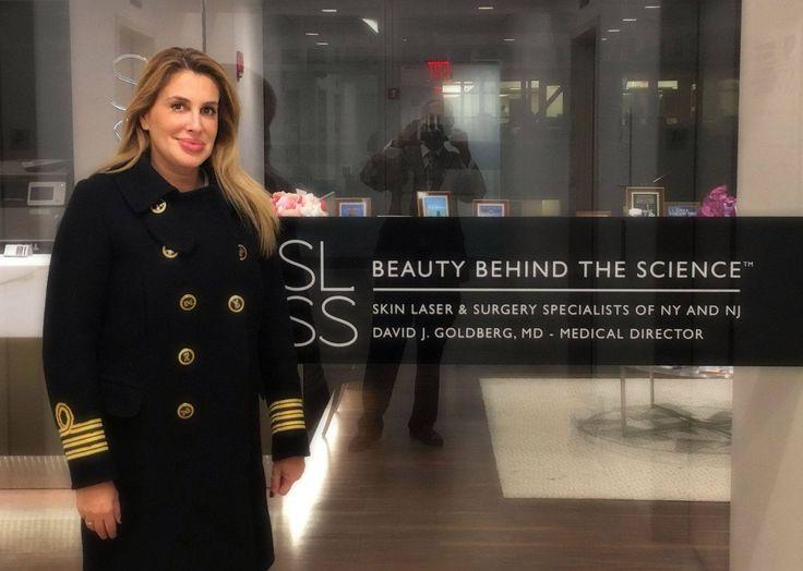 H Ιατρός Αντιγήρανσης Άλκηστις Πρίνου @ Νέα Υόρκη ενημερώθηκε  για τις νέες τεχνικές αναίμακτης Κοσμητικής Ιατρικής www.drprinou.gr