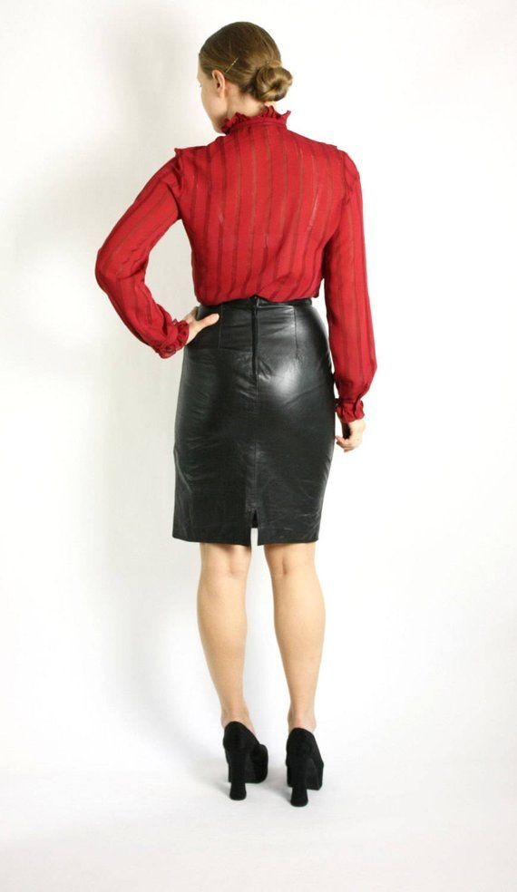 0b1ac5ad84939 Vintage 90's Black High Waisted Real Leather Pencil Skirt - XS/S in ...