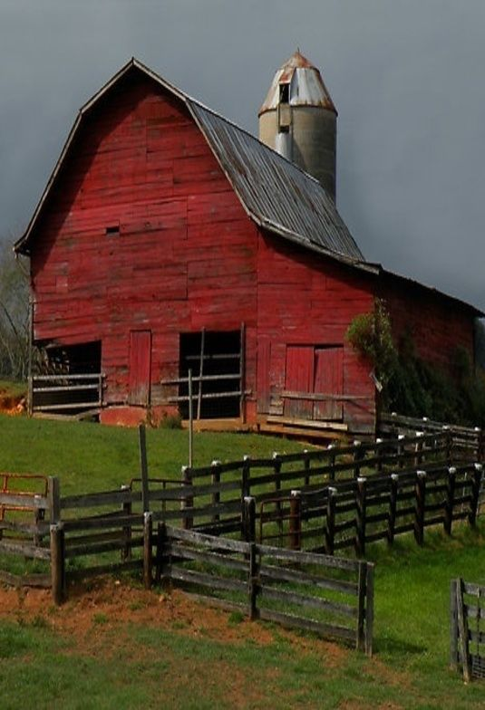 Inspiration for Tara's barn on a hill at the resort in the novel Shabby Chic at Heart. She visualizes it as an amphitheater, Justin wants to tear it down. Original structure, red, fabulous! www.authorkirstenfullmer.com