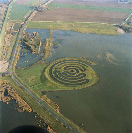 labyrinth in national park De Biesbosch, landart by Paul de Kort