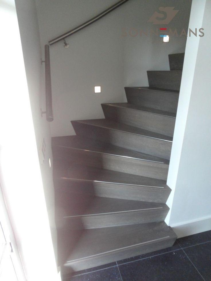 17 beste idee n over trap verlichting op pinterest trap verlichting kelder verlichting en - Model interieur trap ...