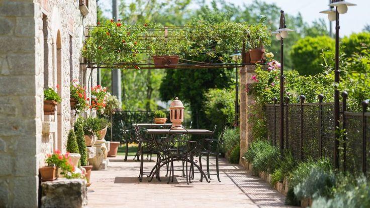Scopri in questa selezione 6 Hotel davvero speciali per una gita fuori porta a solo 2 ore di auto da Roma