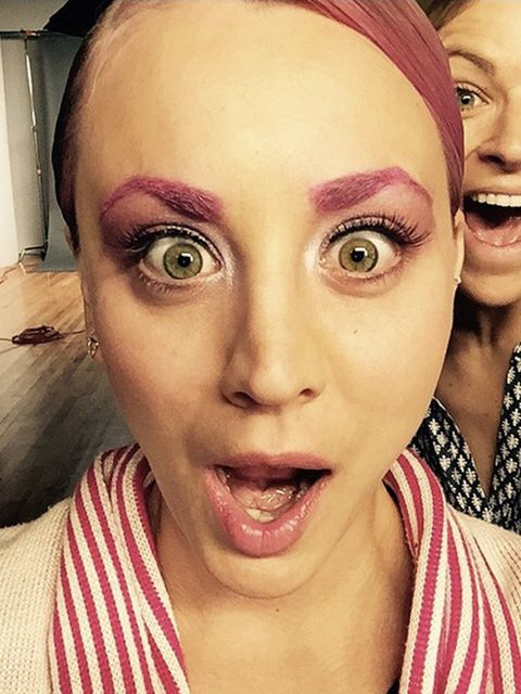 Big Bang Theory star Kaley Cuocodebuted not only pink hair but pink eyebrows too.