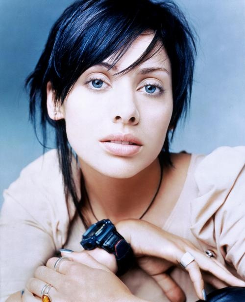 Natalie Imbruglia I want to cut my hair like her                                                                                                                                                                                 Más
