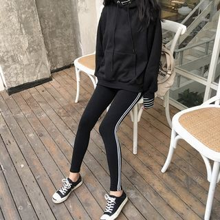 Buy Anyu Striped Trim Leggings at YesStyle.com! Quality products at remarkable prices. FREE WORLDWIDE SHIPPING on orders over US$35.