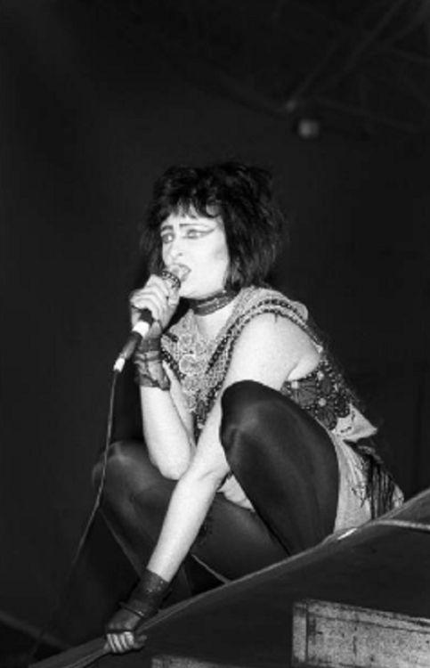 postpunkygirl:  Siouxsie Sioux  © Gie Knaeps