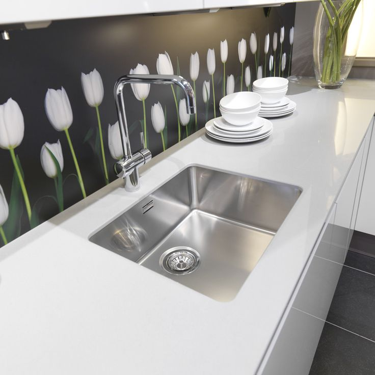 The Kansas range of undermount kitchen sinks from Reginox are available in a range of sizes.  Unique extra deep 250mm bowls make the Kansas range the perfect choice for anone looking for a large capacity kitchen sink