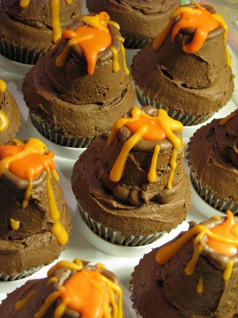 Mini volcano cupcake tutorial