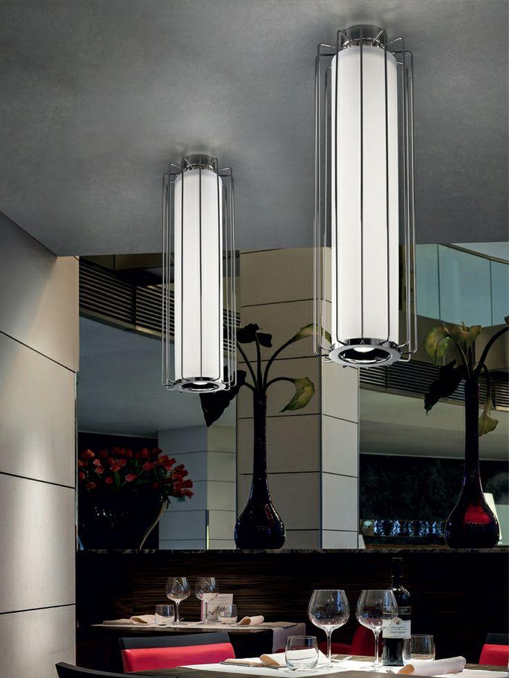 A Sillux FUTURA lámpái már nevükben is hordozzák izgalmas hangulatukat.Klasszikus fémváz, hosszúkás formák, art deco stílusjegyek, elegancia. Design: ORIANO FAVARETTO