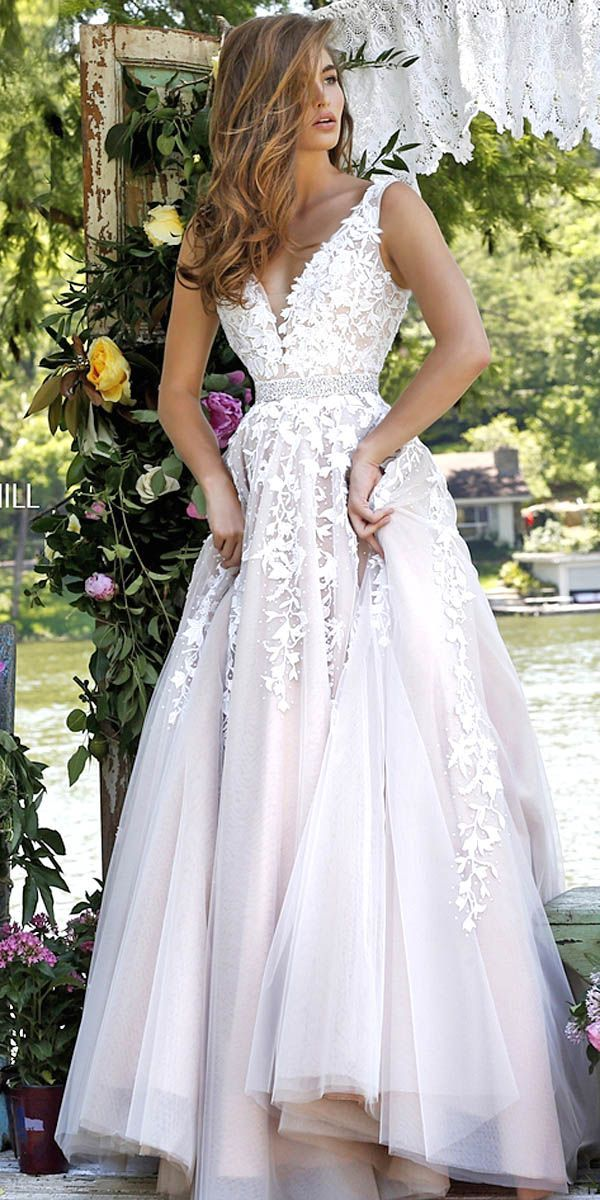 18 Gorgeous Floral Applique Wedding Dresses - Trend For 2016 ❤ If you are…