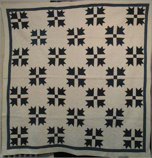 indigo and white bear paw quilt: Schools Colors, Beautiful Quilts, Country Quilts, Antique Quilts, Two Colors Quilts, Antiques Quilts, Quilts Indigo, Cozy Quilts, Bears Paw Quilts