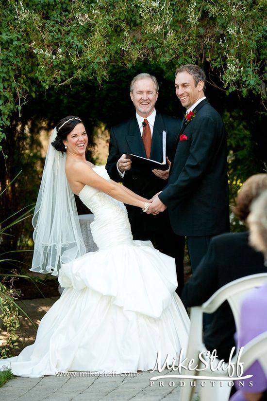 Tips For Choosing The Perfect Wedding Officiant Your Ceremony And Questions To Ask Them Weddingservice