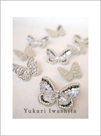 ワンピースと蝶々のブローチ の画像 オートクチュール刺繍 Yukari Iwashita
