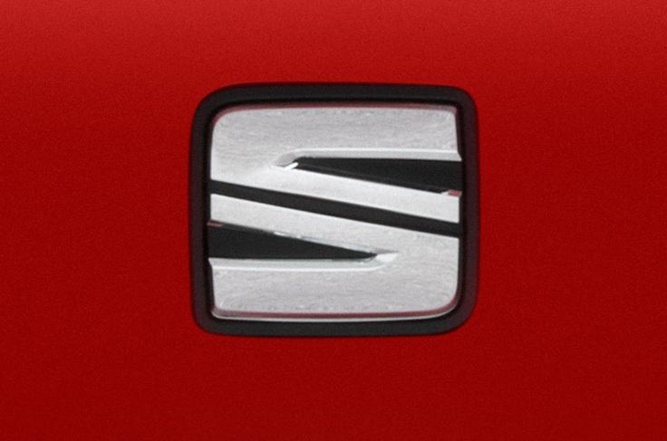 nuevo logo en el SEAT León