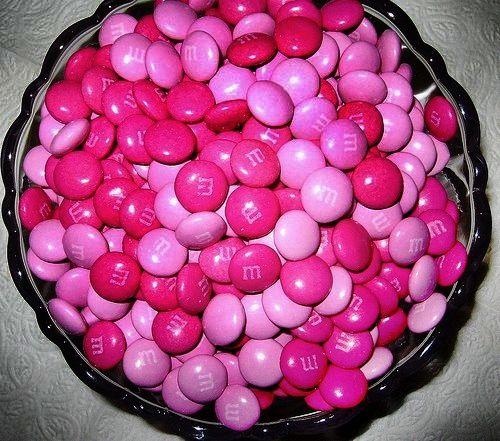 M & M de color magenta!!!! Nunca he visto de estos en España.....que pena. ¿cuantos colores habrá?