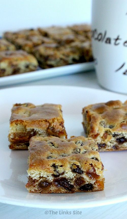 You only need 3 ingredients and one mixing bowl for this Chewy Sultana Squares recipe! thelinkssite.com