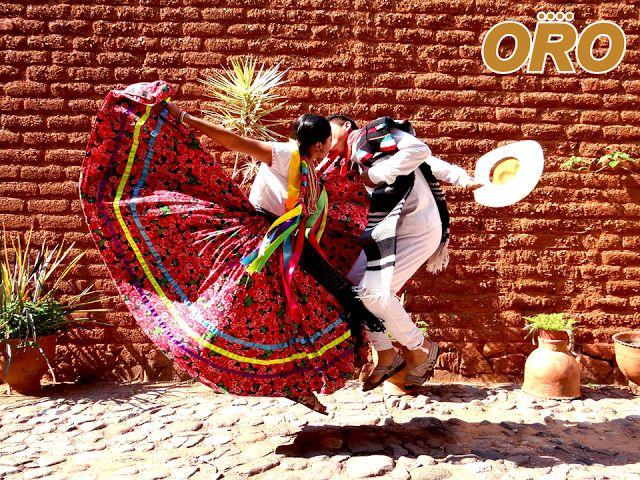 """LAS MEJORES RUTAS DE AUTOBUSES. Hogar del tradicional jarabe mixteco que orgullosamente representa cada año en la """"Guelaguetza"""", Huajuapan de León, es una ciudad que se encuentra al norte del estado de Oaxaca. Autobuses Oro le invitan a disfrutar de la cultura y tradiciones de la ciudad de Huajuapan, viajando en la comodidad y seguridad de nuestra línea de autobuses. Consulte nuestros horarios a través de nuestra página www.autobusesoro.com #autobusesoro"""