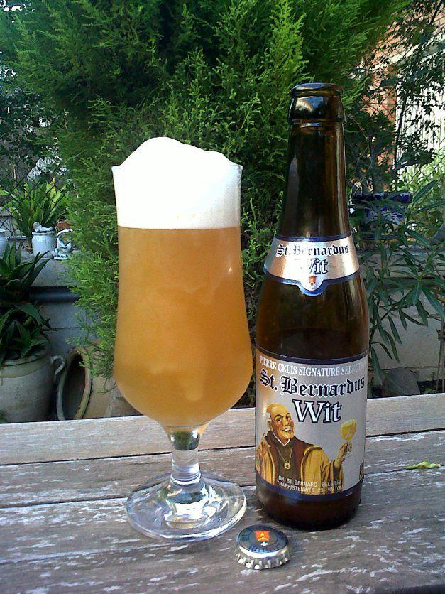 Marca: St. Bernardus.  Clase: Wit.  Fabricante: St. Bernardus.  Cerveza de abadía de trigo.  Estilo: Witbier.  Procedencia: Watou (Bélgica).  Grados: 5,5%.  Fermentación: Alta.