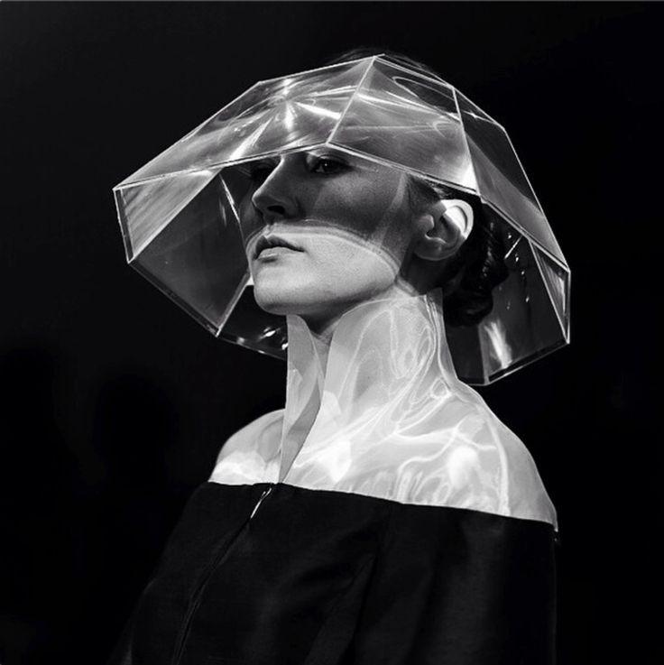 magnifying hat/AIAIÉ-Hegedűs Zsanett/Shadowgraph2015