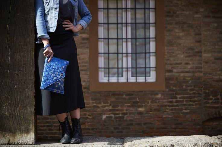Via Piella: Borsa realizzata intrecciando sacchetti di caffè #Upcycling #bag #artigianato #madeinitaly #accessori #riciclo