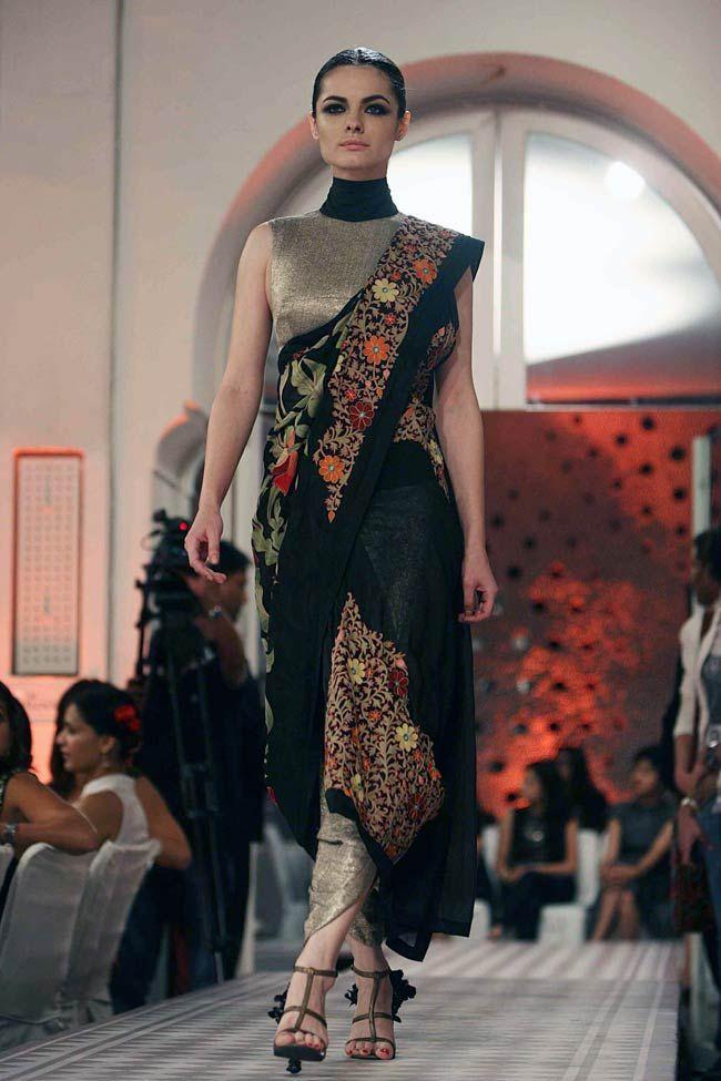 Anamika khanna Delhi Couture Week 2012 #anamikakhanna #delhicoutureweek2012 #saree #embroidery