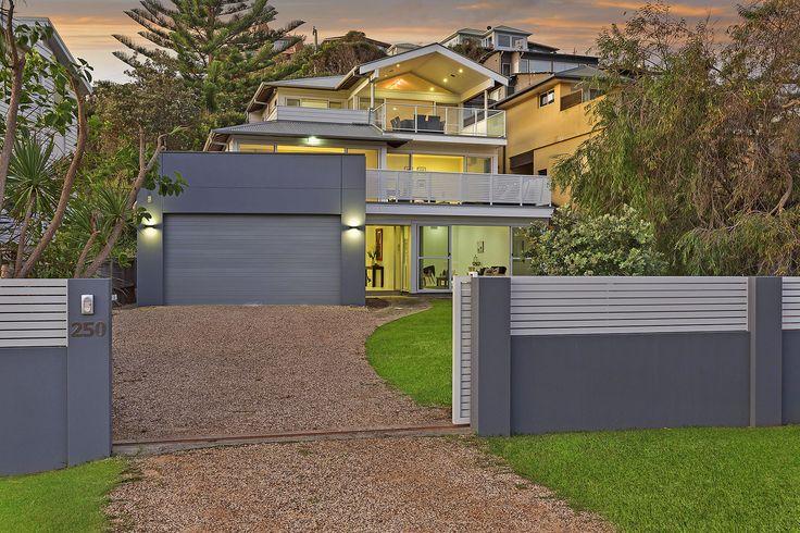 EstateWall in coastal Copacabana - as seen on ljhooker.com.au