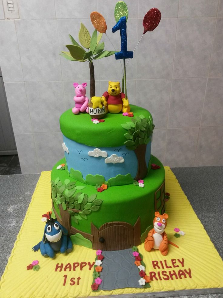 Pooh n friends  birthday  cake
