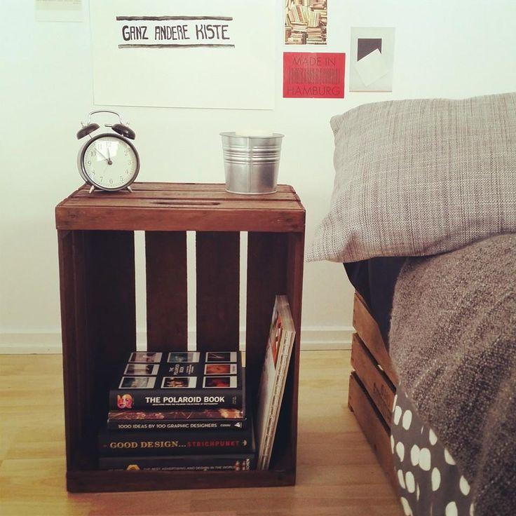 die besten 25 nachttisch obstkiste ideen auf pinterest beistelltische nachttische nachttisch. Black Bedroom Furniture Sets. Home Design Ideas