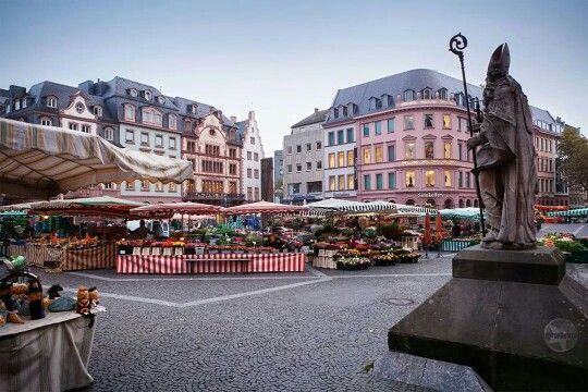 Market in Mainz - every tuesday, friday and saturday! To learn more about #Mainz   #Rheinhesen click here: http://www.greatwinecapitals.com/capitals/mainz-rheinhessen